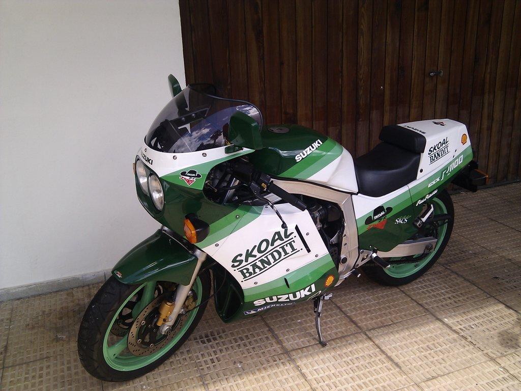 Suzuki Gsx R 1100 86 88 171 Screens For Bikes